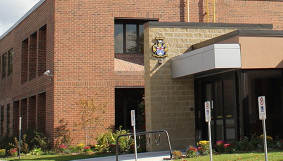Stoufville Government Building